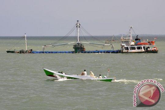 Kapal Kualatungkal- Batam tenggelam penumpang selamat
