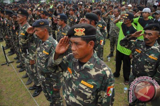 Banser Anshor jaga keamanan gereja di Surabaya