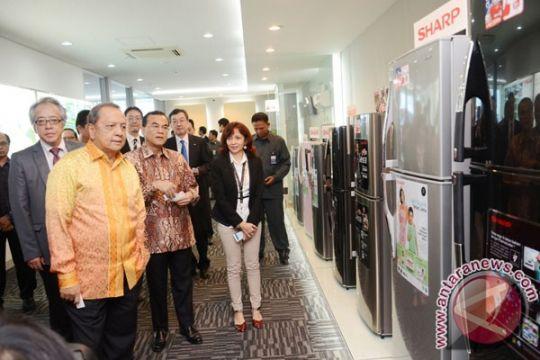 Menperin resmikan pabrik baru Sharp di Karawang