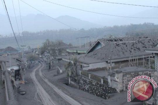 Akses jalan di Kota Batu-Jatim tertutup akibat longsor