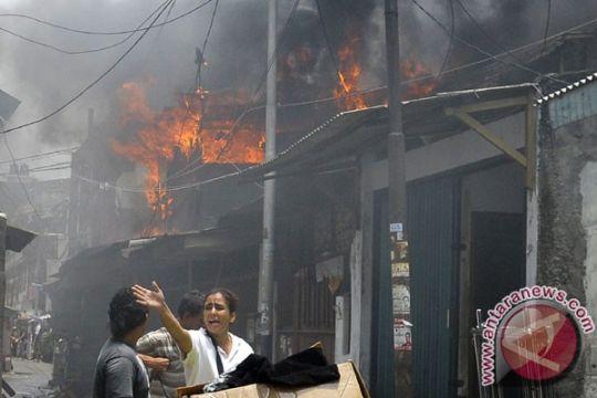 Pasar Higienis Kendari hangus terbakar