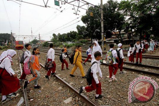 Perlintasan liar KA sepanjang Pasuruan-Banyuwangi segera ditutup