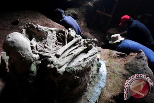 Tim arkeolog teliti Gua Braholo Gunung Kidul