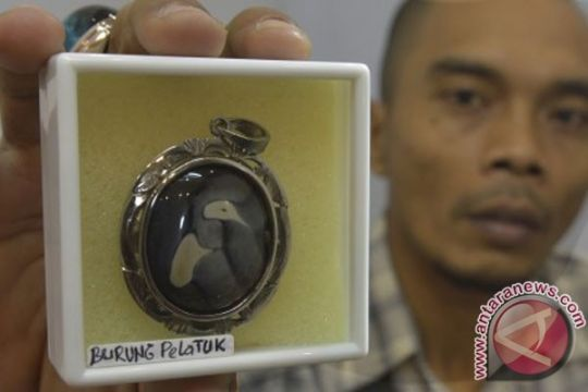 Batu akik penarik pengunjung mal Bekasi