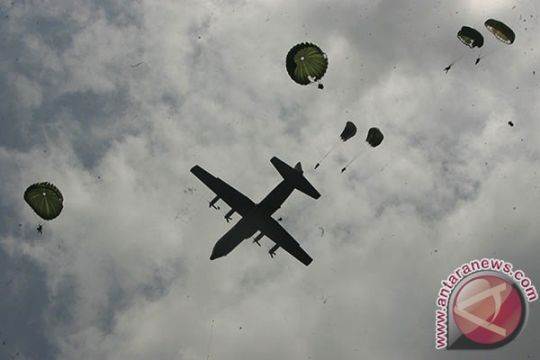130 prajurit Batalion Komando 468 Paskhas TNI AU Biak latihan terjun
