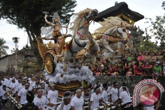 Parade Ogoh-ogoh Kuta tarik perhatian wisatawan