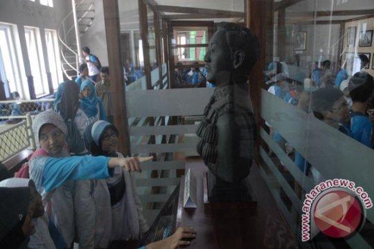 Untuk pengabdian masyarakat, Unsoed Purwokerto-RRI jalin kerja sama
