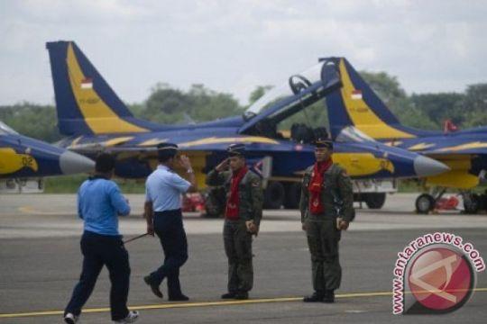 Pelajar disabilitas kunjungi pesawat tempur di Lanud Iswahjudi