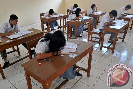 Naskah UN Bahasa Indonesia di Aceh tertukar