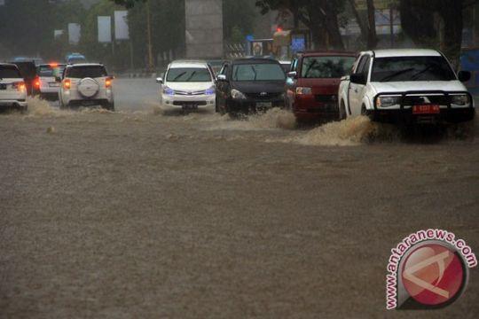 Banjir rendam puluhan rumah di Baubau