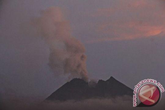 Status Gunung Merapi normal aktif