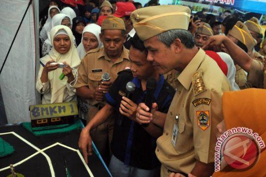Gubernur Jateng minta staf khususnya kembalikan mobil dinas