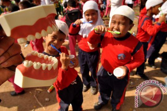 Balita di Indonesia banyak yang alami karies gigi