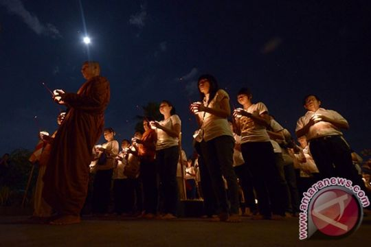 Api Dharma Waisak tiba di Candi Mendut