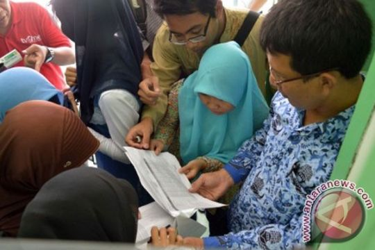 Nilai UN SMA sederajat di Jatim anjlok, guru akan dimutasi