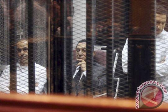 Mubarak divonis 3 tahun penjara untuk kasus korupsi