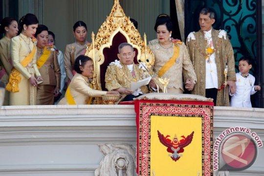 Ibu suri Thailand masuk rumah sakit