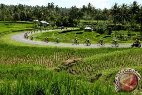 Peladang Malaysia pelajari sistem pertanian Padang Panjang