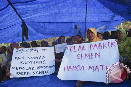 Ibu-ibu Rembang berjuang menyelamatkan karst Kendeng