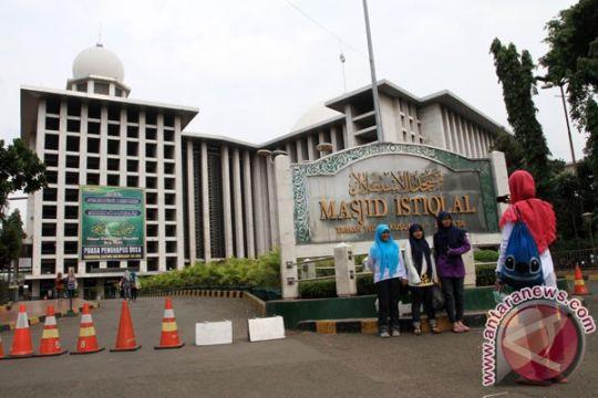 Ribuan umat muslim padati Masjid Istiqlal