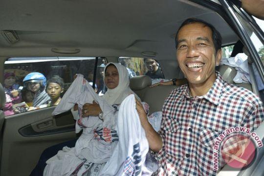 Jokowi bantah punya rekening di luar negeri