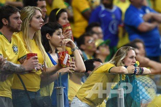 Brasil vs Jerman, Belo Horizonte meratap