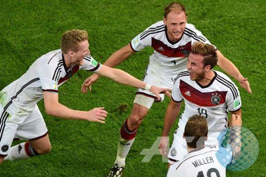 Goetze cetak gol, Jerman unggul 1-0