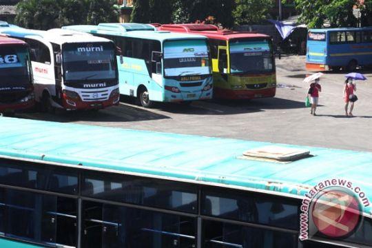 Pemerintah larang bus AKDP digunakan mudik Lebaran