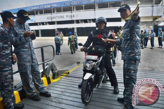 Pemudik sepeda motor makin minati kapal