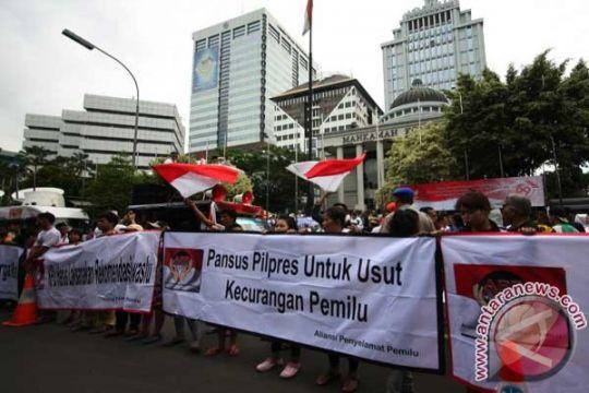 Tim Prabowo-Hatta sebut indikasi politik uang