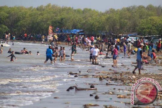 200 ribu wisatawan padati pantai Laut Selatan Sukabumi