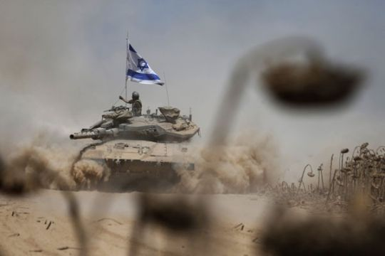 Israel tembaki posisi Hamas setelah pembakaran pos militer