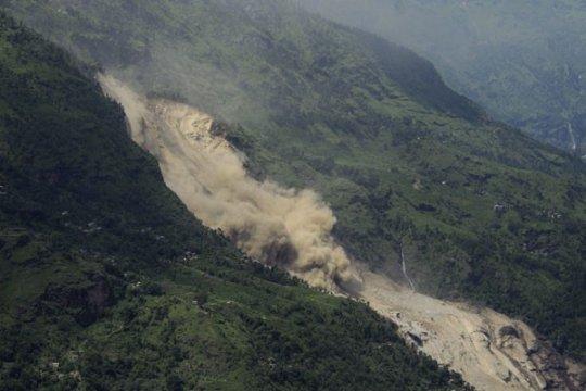 India timur terancam banjir setelah longsor di Nepal