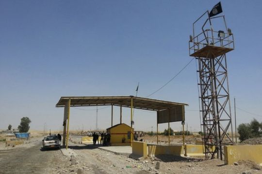 Pembom bunuh diri tewaskan 10 pejuang Kurdi di Irak