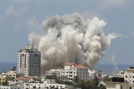 Istri dan anak pejabat Hamas dibunuh Israel