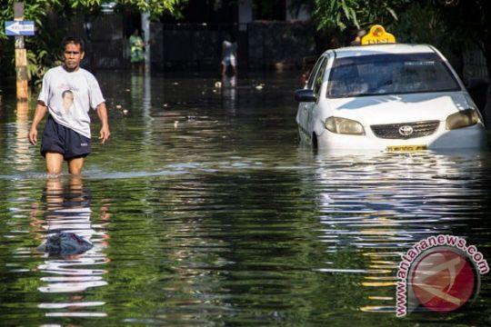 Jalan Kemang Raya banjir, lalu lintas macet