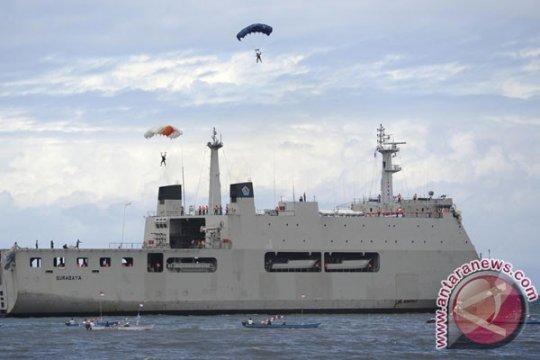 KRI Makassar-590 antar Presiden Yudhoyono ke Sail Raja Ampat