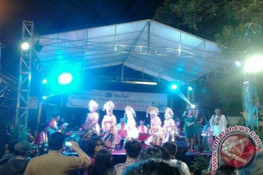 Barat dan Timur bertemu di Festival Jalan Jaksa