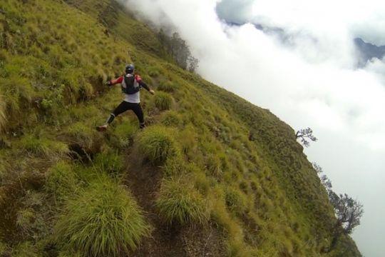 Berolahraga sambil wisata melintasi alam