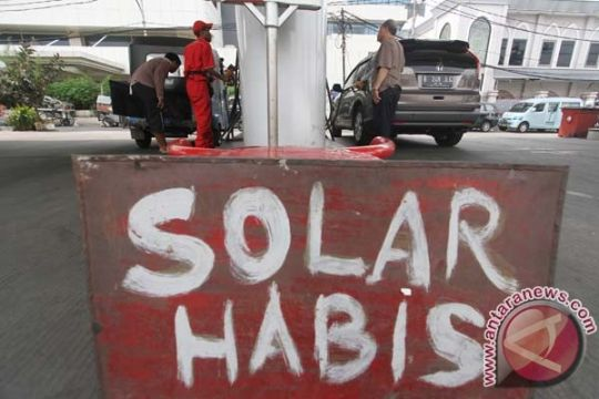 Polda Kepri gerebek dua gudang solar ilegal
