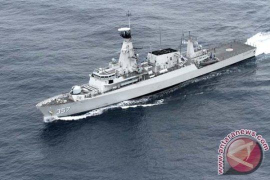KRI Bung Tomo-357 tangkap empat kapal Vietnam