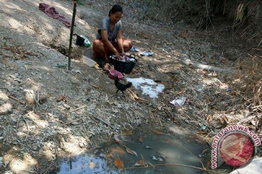 Warga Kuningan krisis air bersih