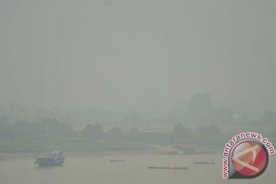 Kabut asap selimuti wilayah Jambi