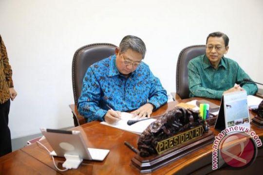 SBY pasang foto teken Perppu Pilkada