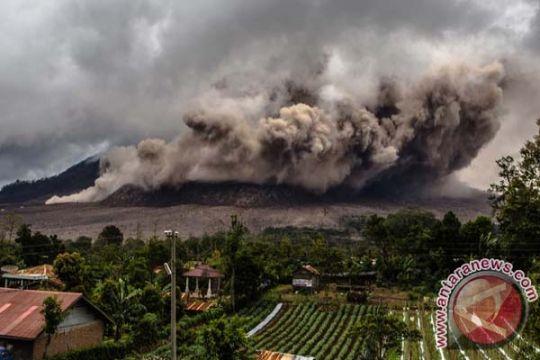 Warga khawatirkan tebaran abu vulkanik erupsi Sinabung