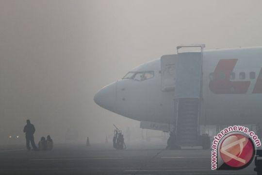 Kabut asap ganggu penerbangan di Banjarbaru