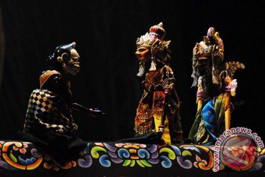 Wayang ajen dan boneka Fujian berkolaborasi