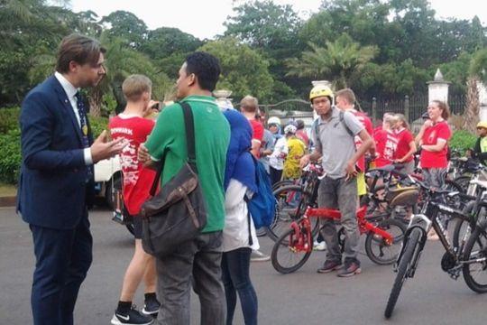 Dubes Denmark bersepeda setelah bertemu presiden
