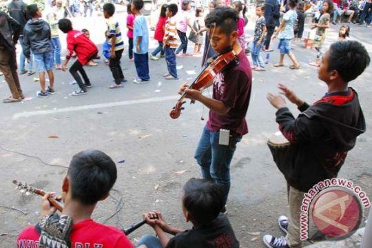 Jumlah anak jalanan terus menurun menurut pemerintah