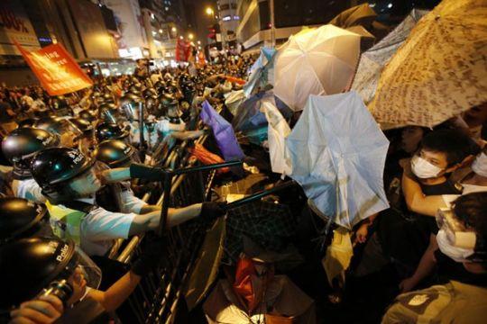 Tiongkok tetap larang pejabat Inggris ke Hong Kong